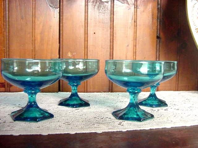 Set of 4 Mid Century Teal Turquoise Capri Blue Glasses Sherbets Goblets