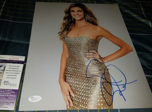 Erin Andrews Fox Sports Signed 11x14 in Person . JSA CERTIFIED