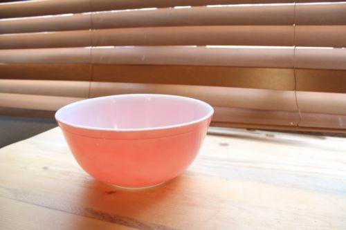 Vintage Pyrex Flamingo Pink Nesting Mixing Bowl - #403