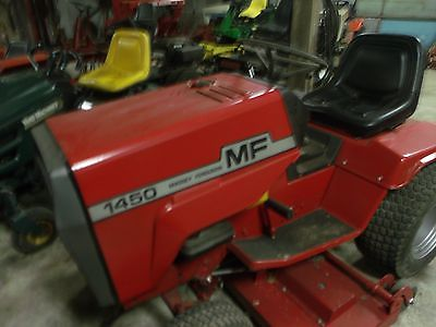 massey ferguson in lawn and trator