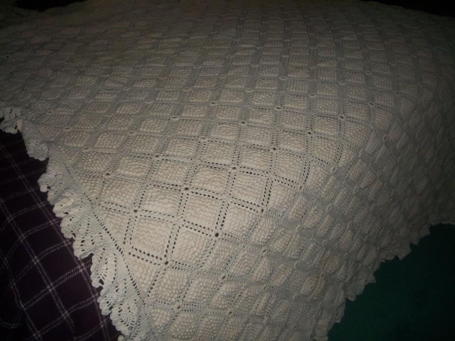 ANTIQUE  WHITE  CROCHET POPCORN STITCH  DBL BED COVERLET  FREE SHIPPING SALE