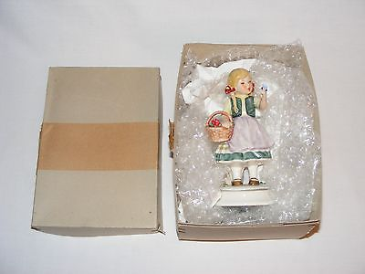 VINTAGE W. GERMAN HUMMEL GOEBEL RARE BUTTERLY KISS FIGURINE 1966 in ORIGINAL BOX