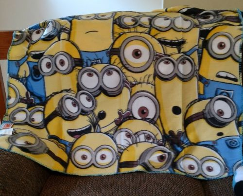 Minions - Despicable Me - Travel Blanket