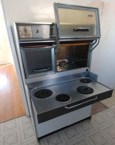 Vintage 1961 Frigidaire Flair General Motors Custom Deluxe Oven Stove
