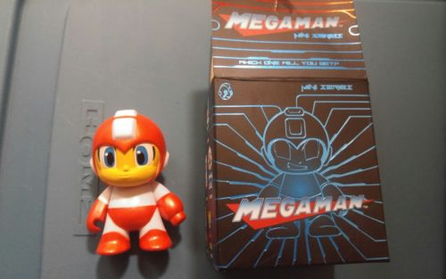 Mega Man Mini Series LOOT CRATE Lootcrate Kidrobot Figure Futuristic 2016