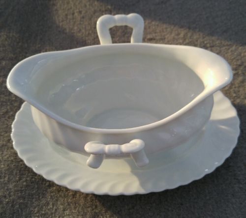 Gravy Boat with Attached Underplate in Nicole (Swirl) by Kaiser from W Germany
