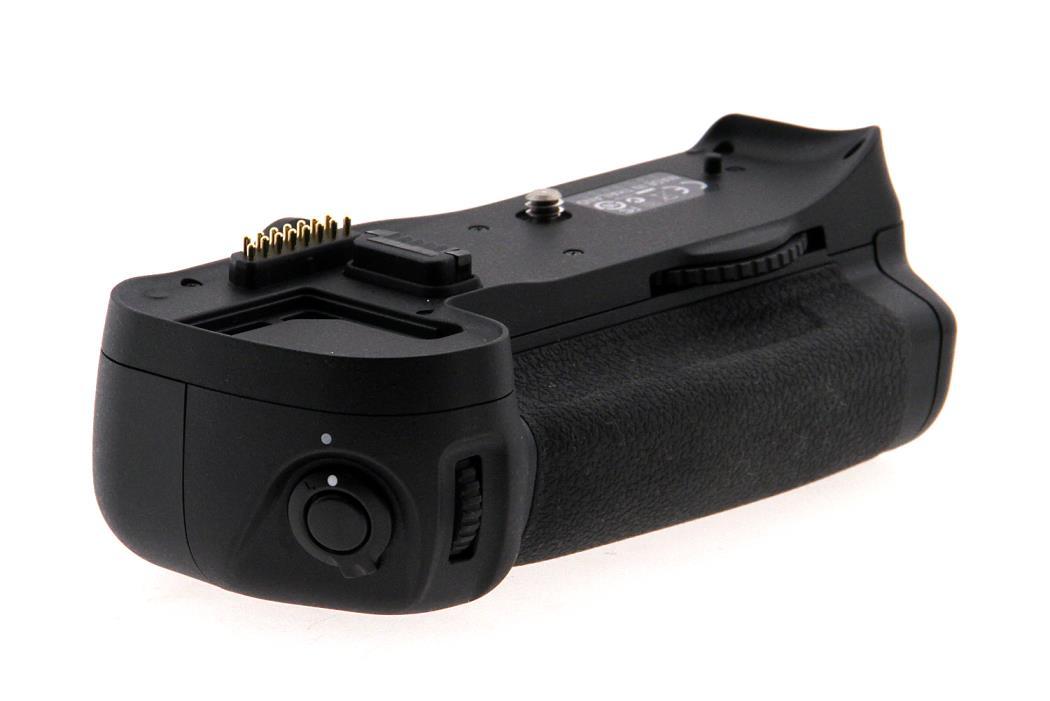 Nikon MB-D10 Multi-Power Battery Grip (Open Box)