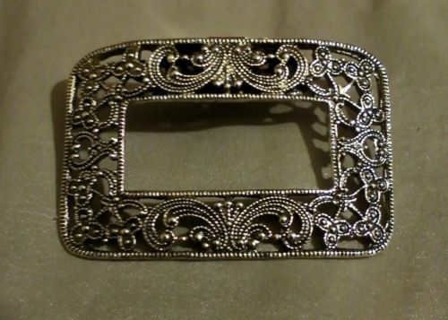 Vintage MUSI Shoe Clip (1) Goldtone Rectangle