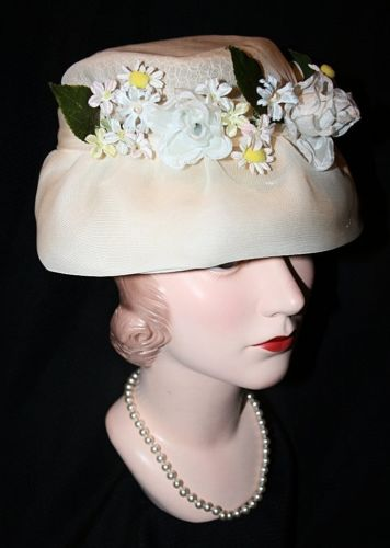 Vintage 1950-60's Sculpted Floral Organza Lampshade Hat