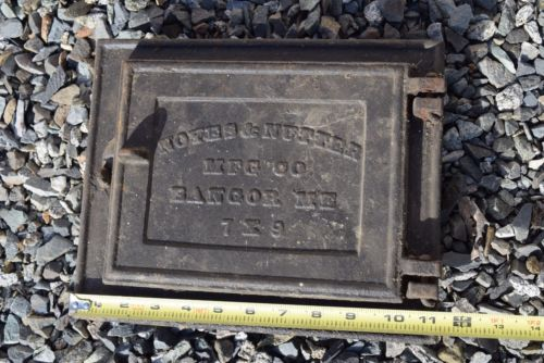 Cast Iron Noyes & Nutter Bangor Maine 7 x 9 Chimney Clean out