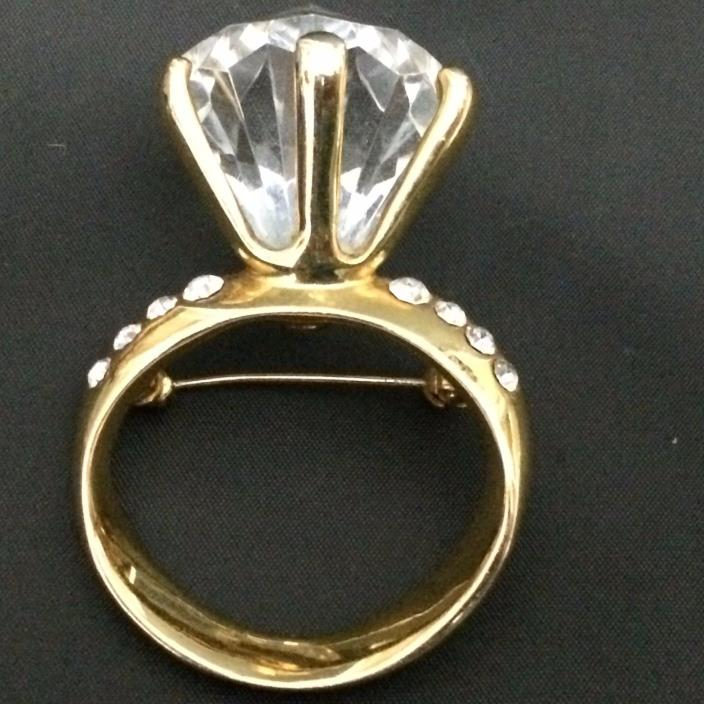 Engagement Ring Gold Tone Lucite Brooch Pin Vintage Estate Jewelry Rhinestone
