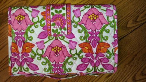 VERA BRADLEY Lilli Bell roll up baby changing pad velcro closure & handle Pink