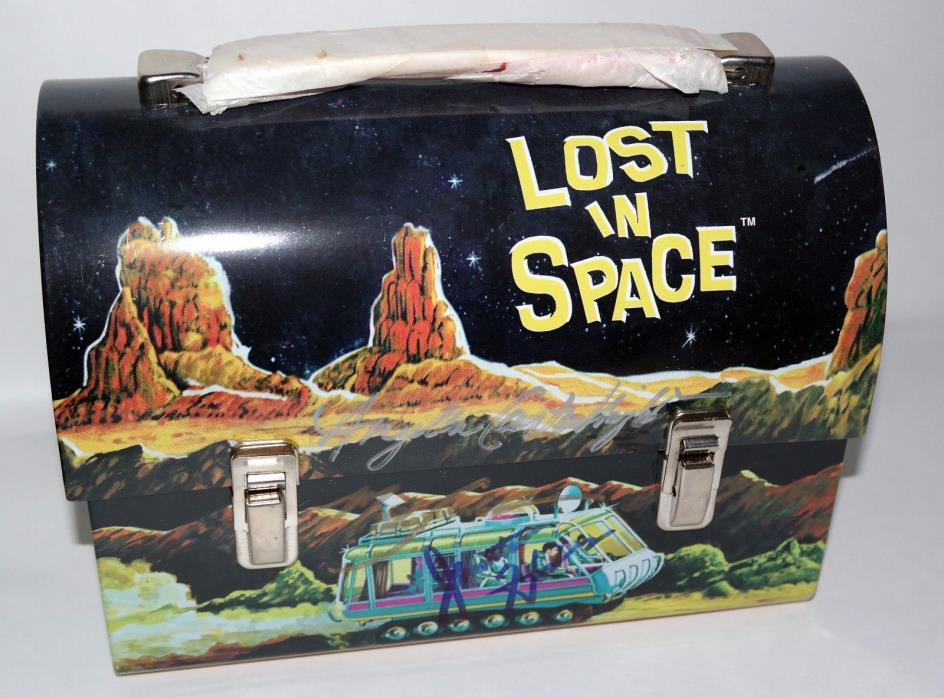 LOST IN SPACE TV SHOW LUNCHBOX SIGNED BY 7 CAST MEMBERS AMAZING! MAY HARRIS