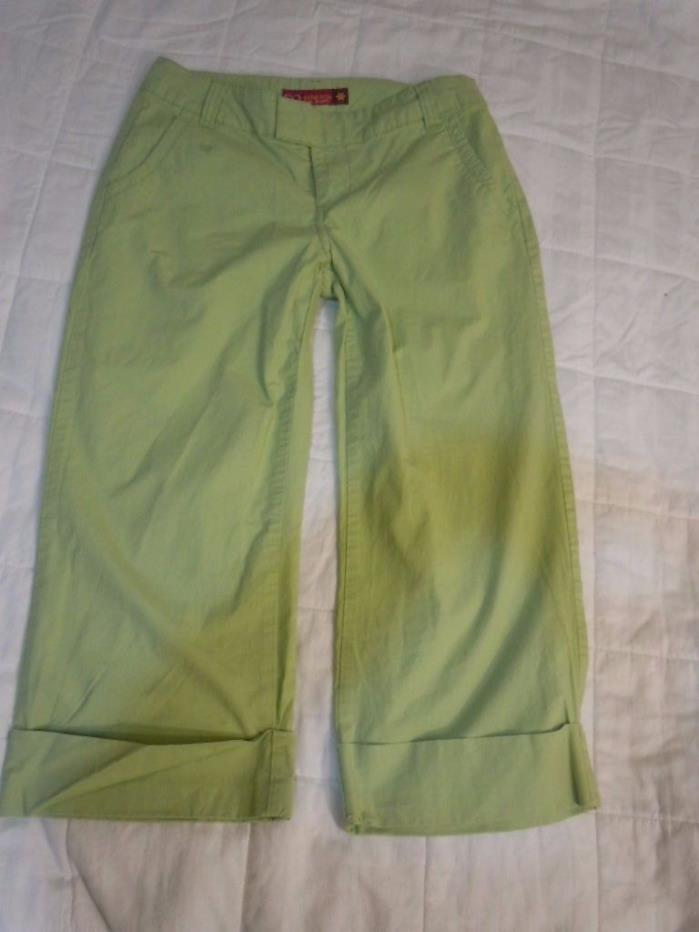 SO Lime Green CAPRIS SIZE 5 Inseam 20 inches GREEN