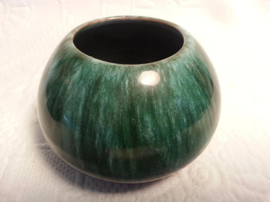 Vintage Blue Mountain Pottery Vase Made in Canada!