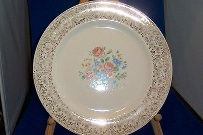 Vintage Pottery cake  Plate Rose bouqet - Filigree edging - 1940 22k gold