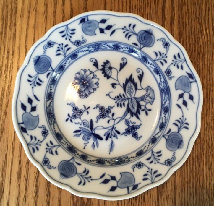Antique Meissen Blue Onion Crossed Swords w/ Pommels Bread & Butter Plate