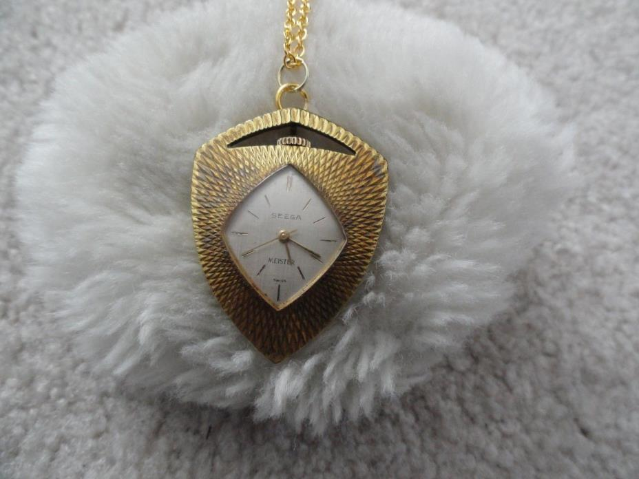 Vintage Swiss Made Seega Meister Wind Up Necklace Pendant Watch