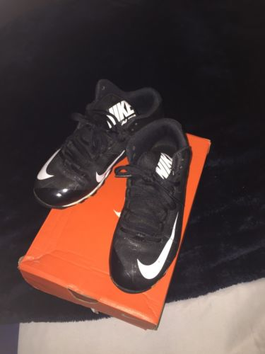 Nike Alpha Shark 2 3/4 BQ Youth Baseball/football Cleats Size 2.5