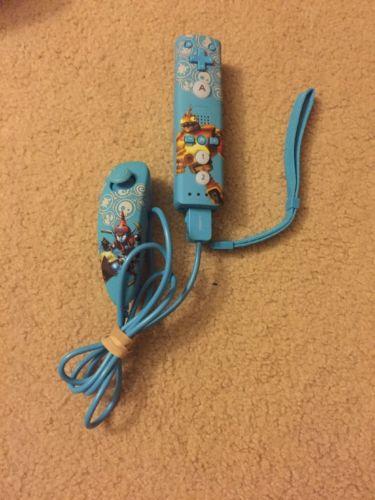 Skylanders LIGHT BLUE PowerA Pro Mini Controller & Nunchuck/ Wii & Wii U