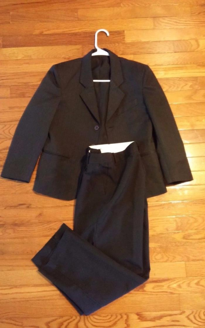 Boys dress suit size 12 Navy pinstripe Dockers 2 button matching pants 2671