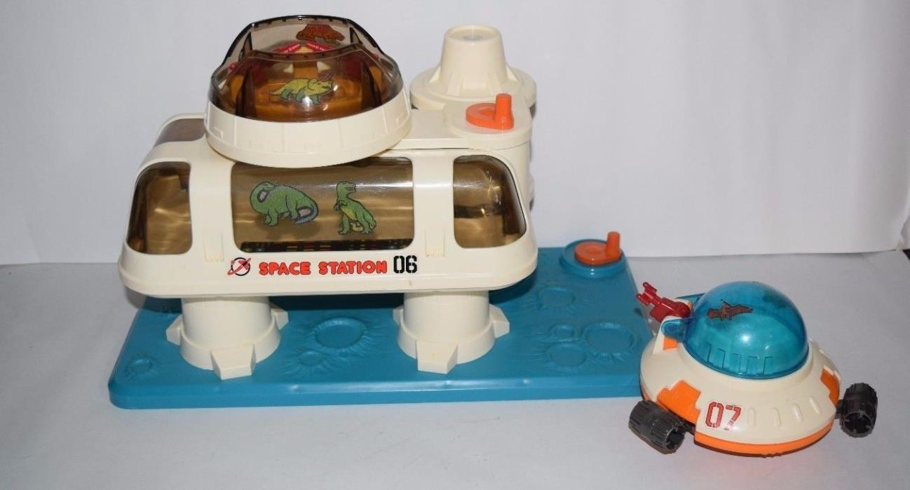 Vintage PLAYMATES Playworld Space Station 06 Space Base + Space saucer 1984