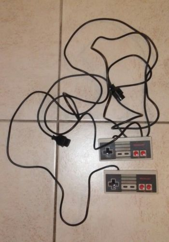 Original Vintage Old School Nintendo NES Controllers Entertainment System Mario