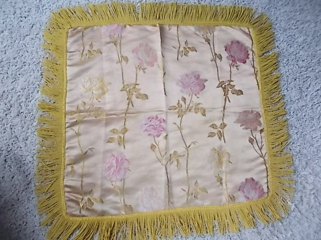 Pretty! Antique Gold Silk & Embroidered Pink Roses Twist Fringe Piano Scarf WOW!
