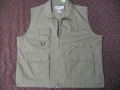 Khaki sports utility vest by LifeWay in excellent cond size XL