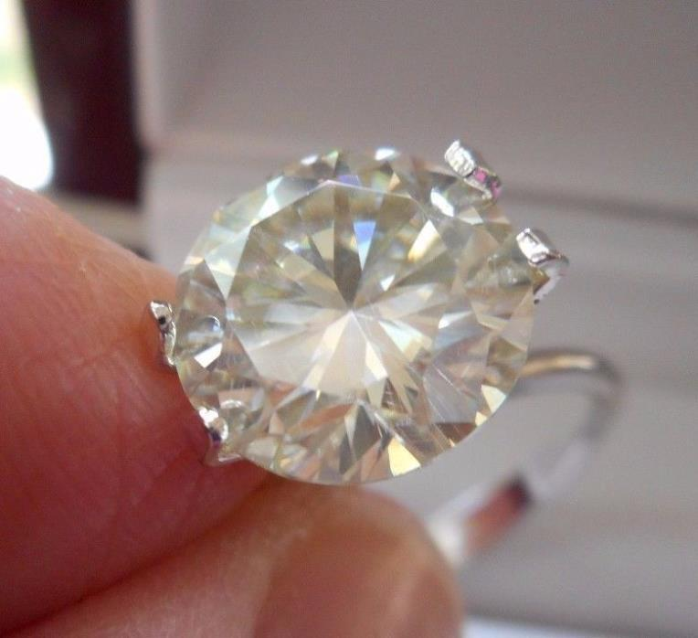 GOLD LAM'E 3.30 CT  VVS1  9.90 mm  ICY SUNNY WHITE ROUND LOOSE MOISSANITE