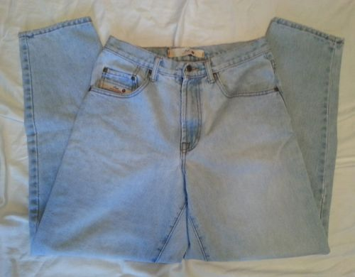 American Eagle Outfitters Men's 30x30 Zip Fly Straight Leg  Light Wash Jeans