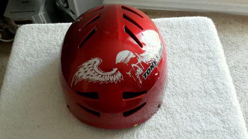 Tony Hawk Huck Jam series youth helmet sz MD graphics Graffiti safety ride