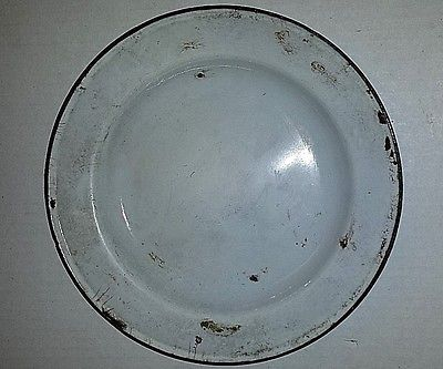 ANTIQUE MADE IN HOLLAND WHITE AND BLUE PORCELAIN PLATE 8 1/2