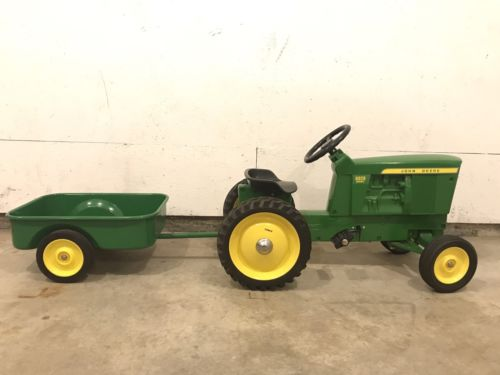John Deere 5020 Pedal Tractor with wagon by ERTL