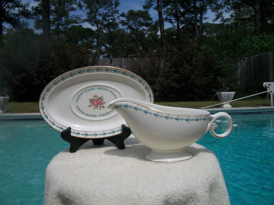 VINTAGE HALL CHINA HARMONY HOUSE MOUNT VERNON GRAVY BOAT WITH UNDER PLATE