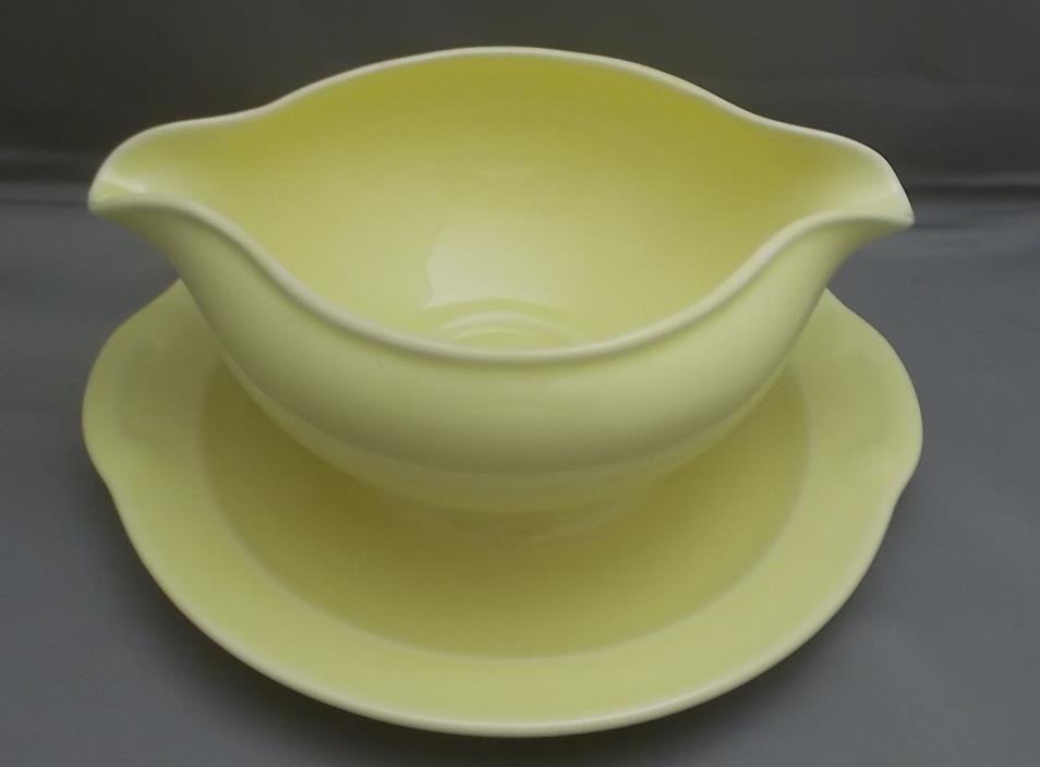 LU RAY Vintage Pastel Gravy Bowl  Vintage   Yellow   U. S. A.