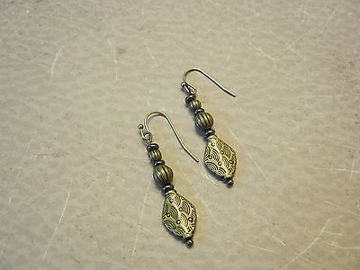 Drop earrings with antique bronze/gunmetal accents (E0041)