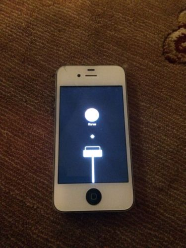 Apple iPhone 4s White/ black For Parts FREE SHIPPING