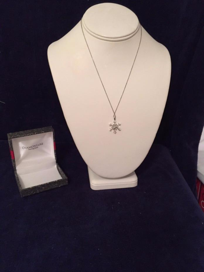 DIAMONLUXE Sterling Silver Snowflake Necklace 17