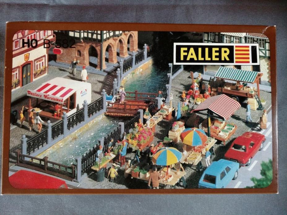 Faller HO B-582 Outside Market Place Train Accessory Building Kit New in Box