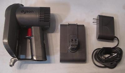 Dyson DC31 with battery and power adapter  *no filter*    FREE SHIP