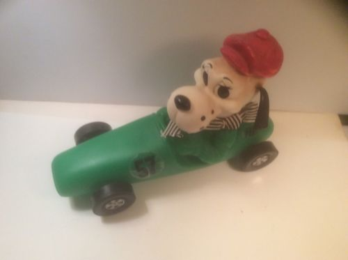 VINTAGE 1973 HOUND DOG RACING CAR BANK