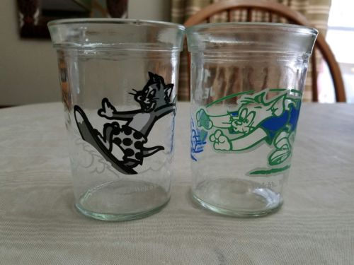 Tom & Jerry: Welch's glasses Lot of 2: surfing and football 1990 and 1991