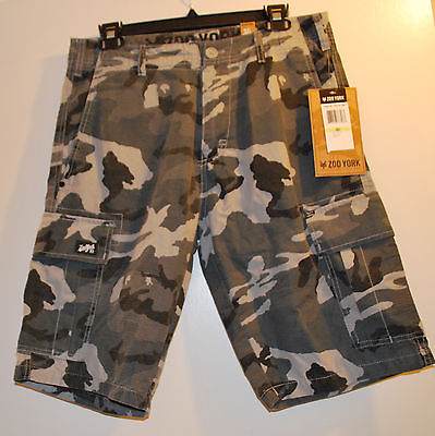 New Zoo York mens  Camo Cargo Shorts 30 waist NWT
