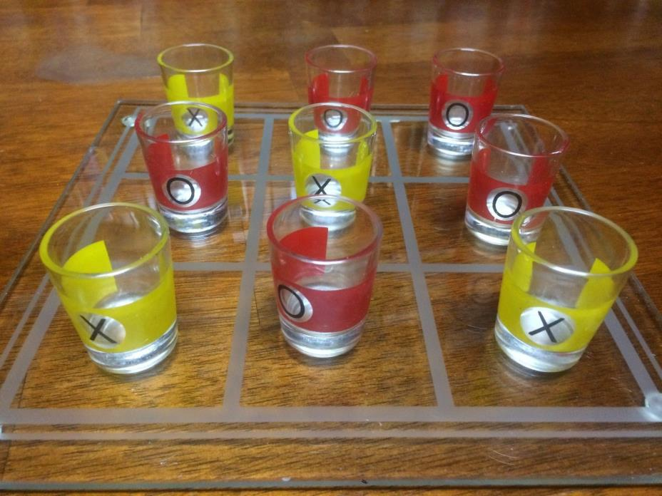 TIC TAC TOE DRINKING GAME WITH 9 SHOT GLASSES GLASS NOVELTY PARTY GIFT