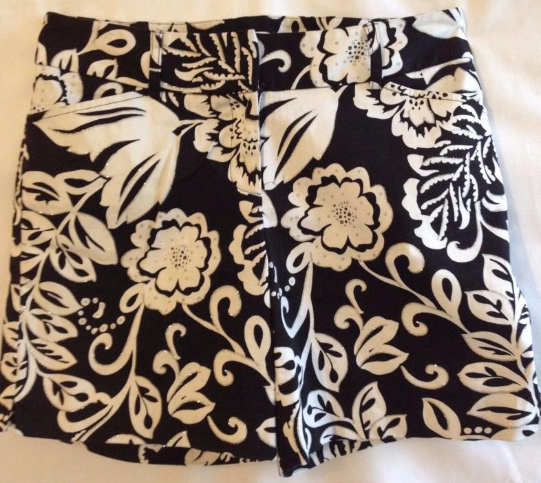 WHBM women's shorts sz 4 black & white floral silver highlights 8.5