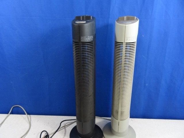 Lot of 2 Sharper Image Ionic Breeze Quadra Air Purifiers  SI637 black white