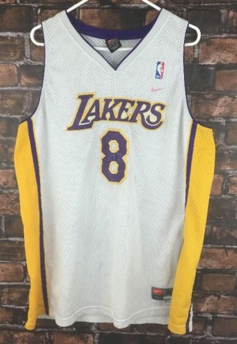 Kobe Bryant Los Angles Lakers Jersey Womens Sz XL +2 Length Nike NBA Flawed