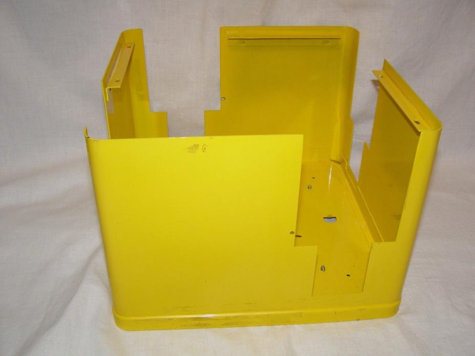 U TURN UTURN BULK CANDY VENDING MACHINE YELLOW TOP COMPARTMENT