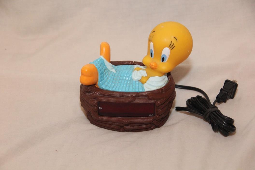 Vintage Looney Tunes TWEETY BIRD 1996 Digital Alarm Clock